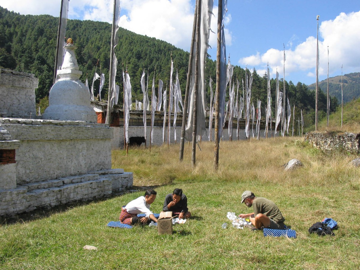 lunch at Chendedji stupa