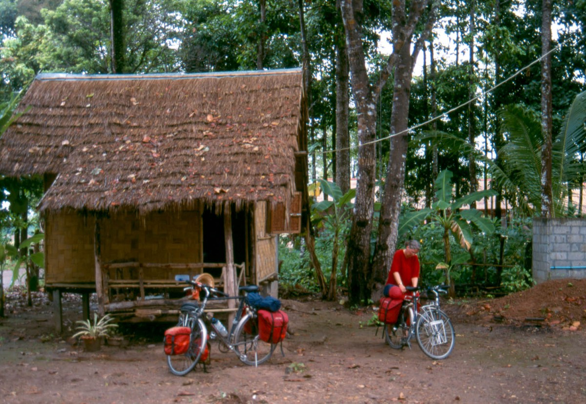 bamboo hut at Ban Ahong guesthouse